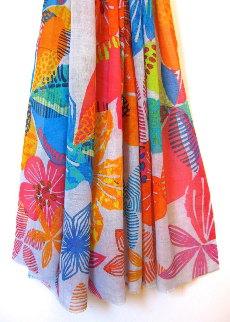 Bomuld / silke tørklæde med blomsterprint. Skønt sommer tørklæde. samarkanddk