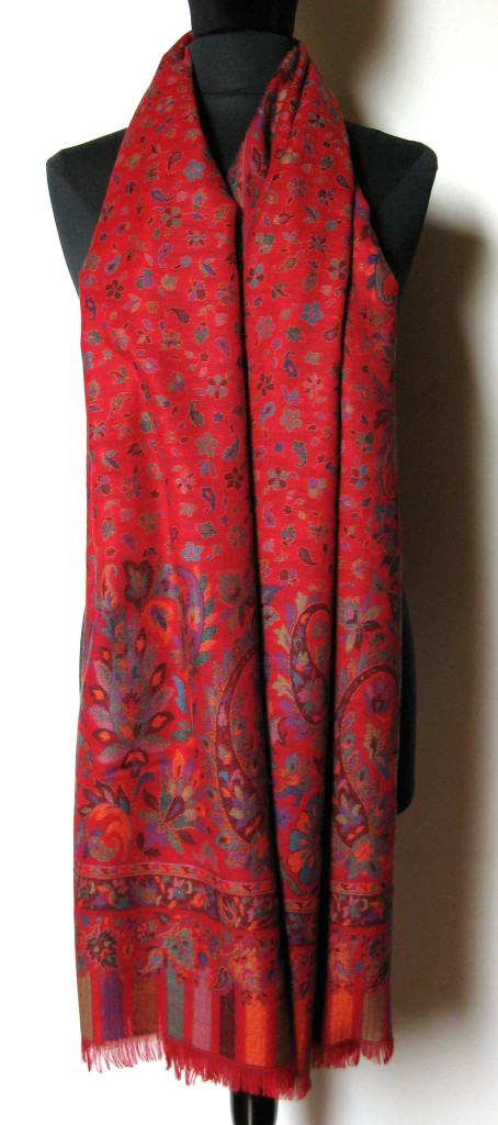 Uld / Cashmere tørklæde, sjal. Samarkand har et stort udvalg af uld tørklæder og sjaler.