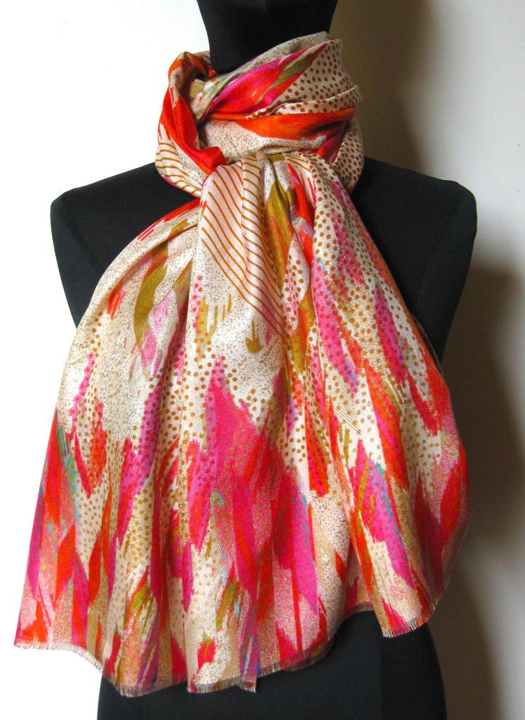 silketørklæde med abstrakt mønster, silketørklæde print, tørklæde silke farver