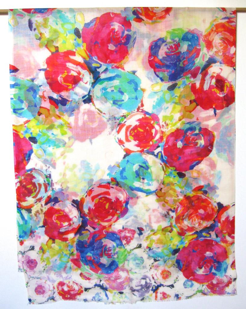 Uld / silke tørklæde med blomsterprint. Skønt sommer tørklæde. samarkanddk
