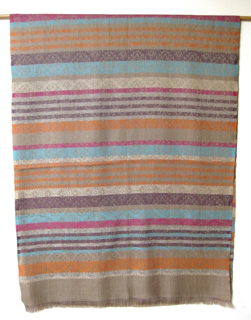 Uldtørklæde, uldsjal i ren uld.
