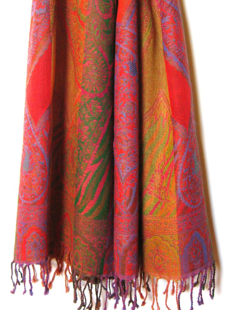 Uld tørklæde i 100 % uld, enkeltvævet. Samarkand har et stort udvalg af uld tørklæder.