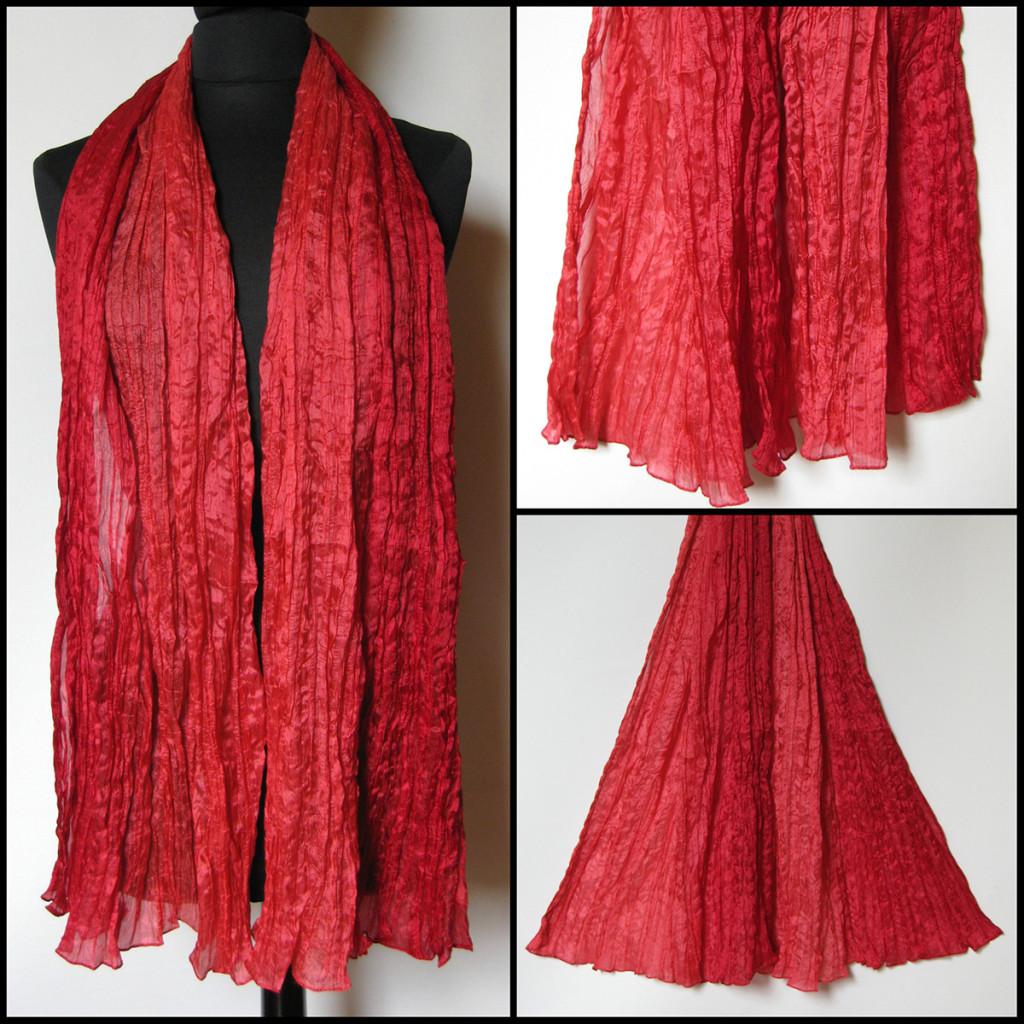 Silketørklæde i røde nuancer. Samarkand har stort udvalg af silketørklæder i mange farver.