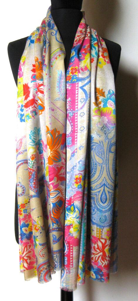 silketørklæde med paisley mønster, silketørklæde print, tørklæde, silke, farver